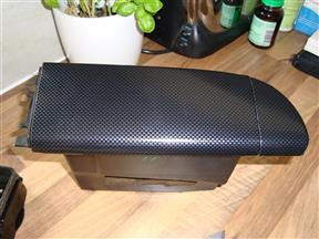 DSC00561 (Custom).JPG